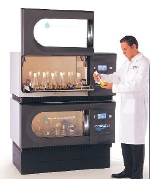 Incubator cu agitare si racire capacitate 5 L, programabil cu functii automate