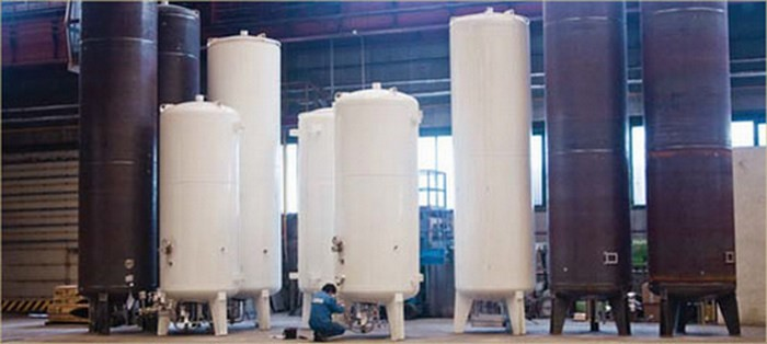 Tanc criogenic vertical pentru stocare LNG
