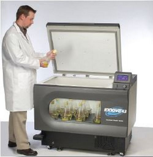 Incubator cu agitare si racire, capacitate 6 L, programabil cu functii automate