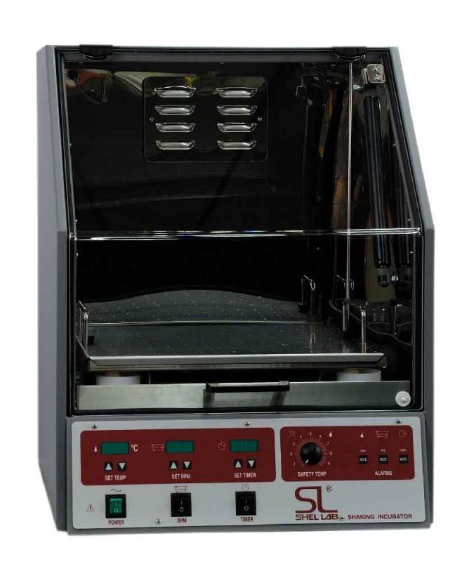 Incubator cu  agitare capacitate 92 L
